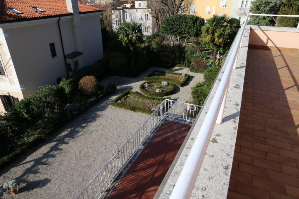 Il giardino dal terrazzo